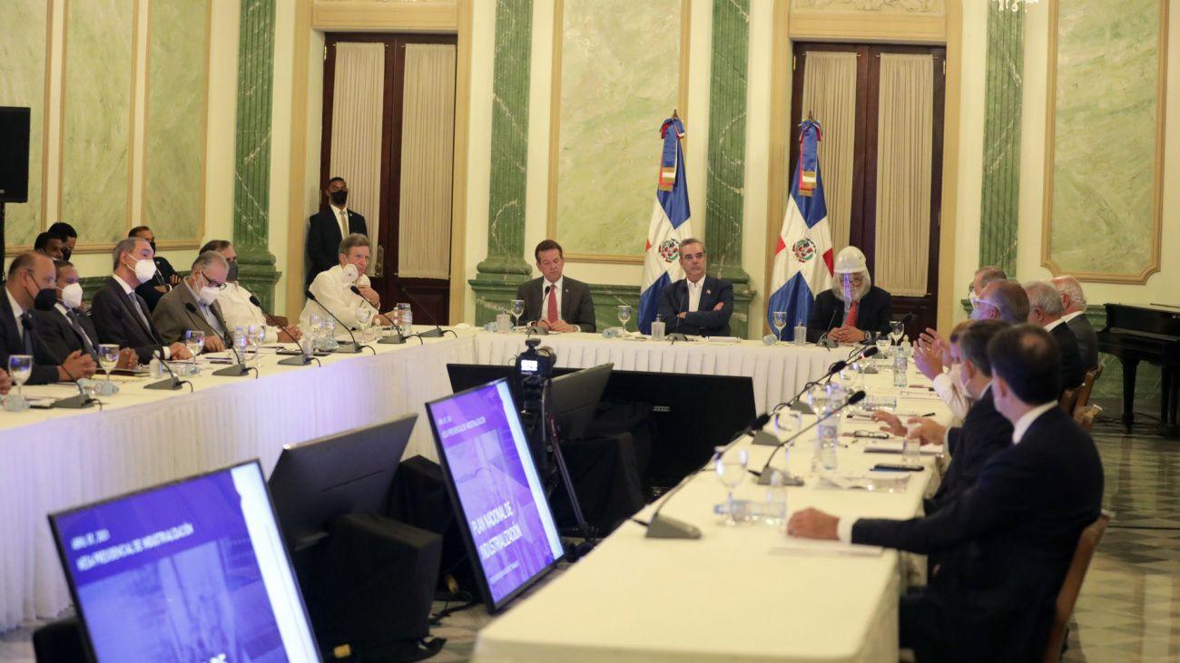 Abinader destaca crecimiento de las zonas francas en últimos siete meses