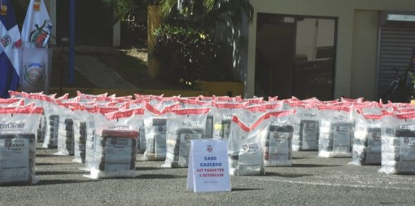 Autoridades decomisan 447 paquetes de droga y detienen 5 personas en Puerto Multimodal Caucedo