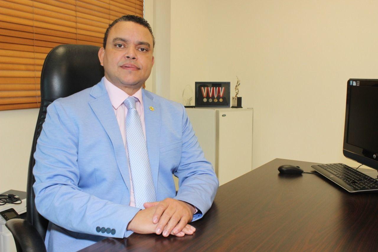 Ney Arias Lora entrega suma histórica de incentivos a colaboradores