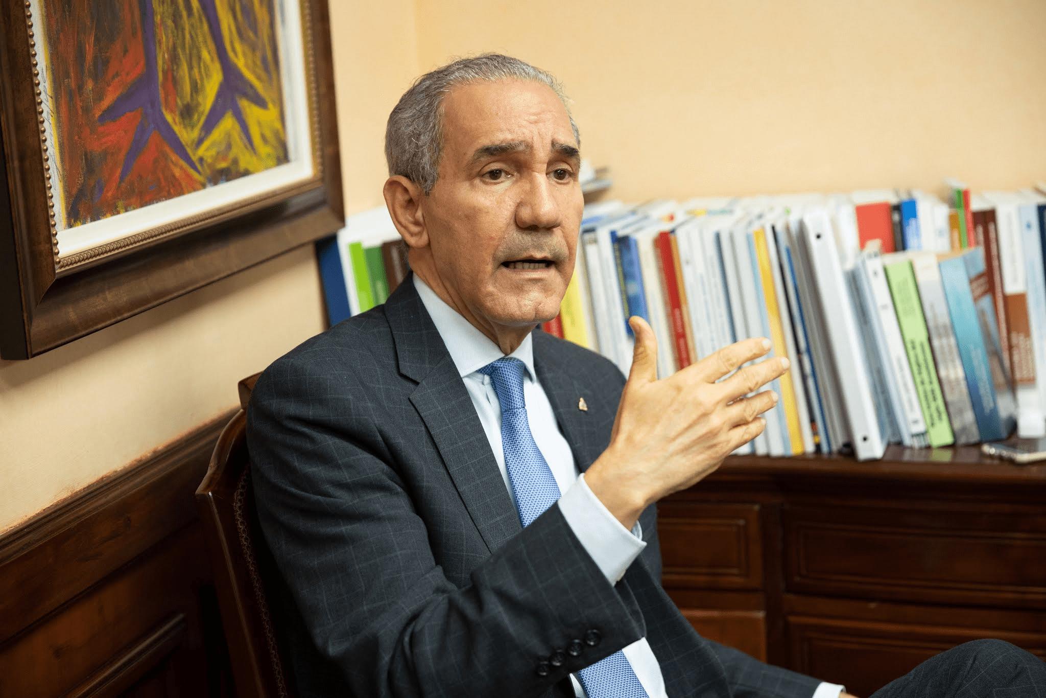 El Ministro del MESCYT, doctor Franklin García Fermín.
